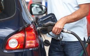 Thói quen tai hại nhiều người mắc phải khi đổ xăng khiến ô tô dễ dàng phát nổ