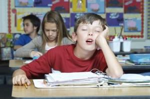 Xếp hạng 3 lí do khiến lớp học là nơi lý tưởng nhất để... ngủ