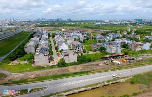 Giá đất ngoại thành TP.HCM giảm một nửa so với đỉnh năm 2017
