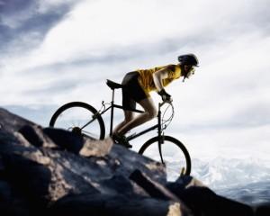 Nam giới đạp xe nhiều có ảnh hưởng đến khả năng sinh sản không?