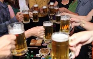 Quy định bán rượu bia theo giờ: Doanh nghiệp khó khăn