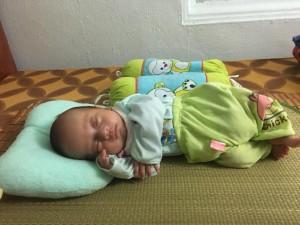 Bé trai chào đời nặng 1kg và hành trình đẫm nước mắt giành lại con từ tay tử thần