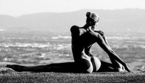 Bộ ảnh những tư thế yoga tuyệt đẹp khiến bạn muốn đi tập ngay