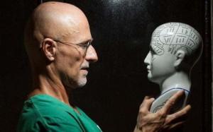 Ghép đầu người: sẽ kích điện gọi sự sống kiểu Frankenstein!