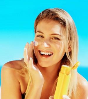 Nhà khoa học 'giật mình' phát hiện hóa chất kem chống nắng trong mô vú