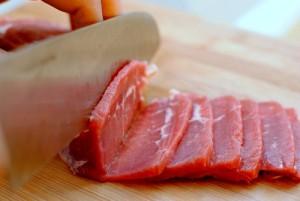 Từ vụ nhập viện vì ăn thịt lợn cất trữ trong tủ lạnh, chuyên gia chỉ rõ điều tuyệt đối cần tránh