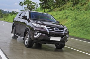 Toyota triệu hồi 2 mẫu xe ăn khách trên thị trường để kiểm tra lỗi