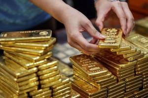 Giá vàng hôm nay 28/8: USD giảm mạnh, vàng được đà đi lên