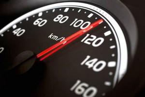 Đi Honda Airblade tốc độ hơn 50km/h, bạn đang 'đốt tiền' mua xăng mỗi ngày