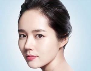 Phụ nữ có 6 đặc điểm này trên gương mặt, cả đời may mắn, sống trong nhung lụa