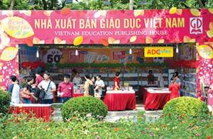 Báo cáo in SGK lỗ, lãnh đạo NXB Giáo dục vẫn nhận lương khủng