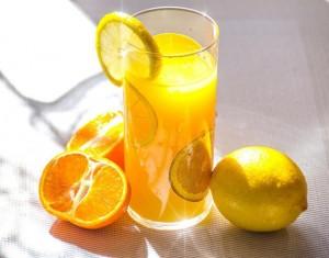 6 sai lầm khiến uống nước cam vốn tốt cho sức khỏe trở thành có hại