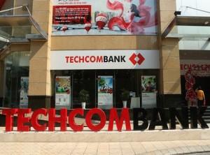 """""""Đặt cược"""" cho vay bất động sản: Techcombank đối diện những rủi ro nào?"""