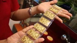 Giá vàng hôm nay 25/10: USD mạnh lên, vàng hạ nhiệt
