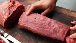 Những cách phân biệt thịt bò thật và giả