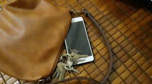 Những thói quen tai hại khiến điện thoại hỏng nhanh chóng