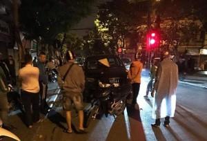 """Tai nạn giao thông bất ngờ giữa diễn viên """"Người phán xử"""" và cựu thủ môn Hồng Sơn"""
