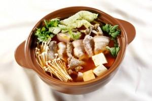Tuyệt chiêu nấu lẩu kim chi Hàn Quốc ngon chuẩn vị, ai cũng mê mẩn