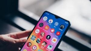Top 3 smartphone thiết kế đẹp, hiệu năng cao, pin khủng đáng sắm giá dưới 6 triệu