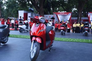 Còn 21 ngày mua xe máy điện Klara 21 triệu: Giá lăn bánh bao nhiêu tiền