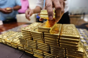 Giá vàng hôm nay 28/12: Vàng tăng vọt lên đỉnh mới