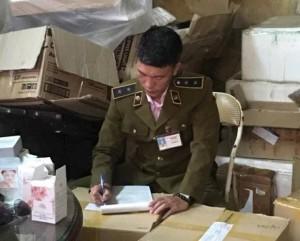 Hà Nội: Bắt giữ hàng ngàn mỹ phẩm không rõ nguồn gốc