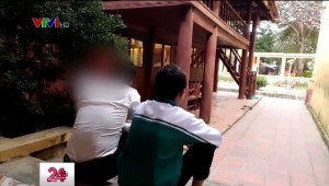 Hàng loạt nam sinh tố bị thầy hiệu trưởng lạm dụng tình dục: 'Sợ bị đuổi học nên không dám nói cho ai'