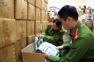 Phát hiện hơn 4 tấn thuốc bảo vệ thực vật hết 'date' được sửa ngày đem bán