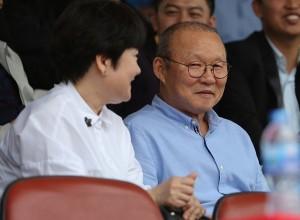 Người phụ nữ có ý kiến quan trọng giúp thầy Park về với tuyển Việt Nam