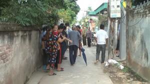 Vụ con gái ôm chặt mẹ tự thiêu: Hàng xóm kể lại phút chứng kiến 2 ngọn đuốc sống