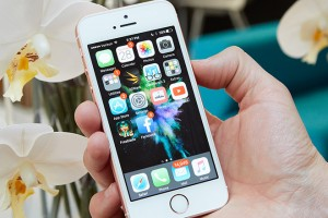 Apple bán lại iPhone SE với giá siêu rẻ, nhưng có nên mua?