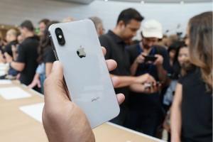 Apple giảm giá iPhone để kích thích người tiêu dùng