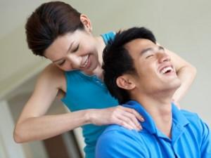 Chỉ cần 6 mẹo 'nhỏ nhưng có võ' này, giao tiếp vợ chồng sẽ trở nên rất đỗi ngọt ngào!