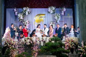 Choáng ngợp với ngôi biệt thự của gia đình trong đám cưới