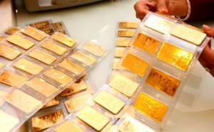 Giá vàng hôm nay 16/1: USD tăng, vàng giảm nhẹ