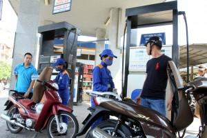 Giá xăng dầu bất ngờ đứng yên trước Tết Nguyên đán