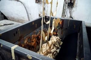 Hà Nội: Thu giữ hơn 100 thùng bánh giả được phù phép thương hiệu nổi tiếng