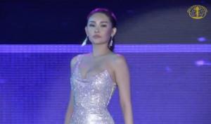 Lê Âu Ngân Anh gặp sự cố lộ nội y tại Hoa hậu Liên lục địa