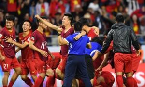 Lọt vào tứ kết đầy ngoạn mục, tuyển Việt Nam hứng mưa tiền thưởng