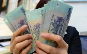 Nhân viên ngân hàng được thưởng Tết 2019 tới 9 tháng lương gây sốc