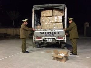 Nhập lậu quả hồng sấy khô Trung Quốc về các tỉnh tiêu thụ dịp Tết