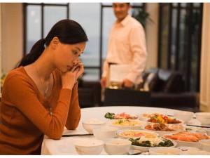Phụ nữ sai lầm khi nghĩ rằng lấy phải người chồng vô tâm là nỗi bất hạnh?