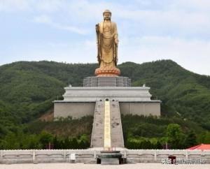Tượng Phật cao nhất thế giới, muốn chạm tay vào phải trả tiền