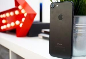 Apple Store đang bán iPhone tân trang với giá giảm đến 5,1 triệu đồng
