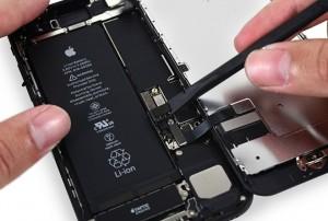 Đây là cách duy nhất giúp thay pin iPhone với giá 700.000 đồng
