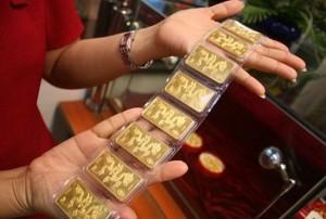 Giá vàng hôm nay 28/2: Vàng tăng trở lại do đồng USD giảm mạnh