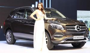 Giá xe sang Mercedes tại Việt Nam rẻ hơn Thái Lan hàng tỷ đồng
