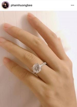 Phạm Hương đã đính hôn tại Mỹ, người đàn ông bí mật đó là ai?