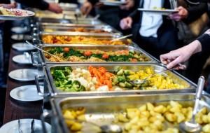 """7 """"chiêu"""" trong nhà hàng buffet mà mọi nhân viên đều cố giấu nhẹm đi"""