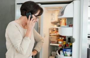 'Bất an' khi tủ lạnh rung và kêu to bất thường, cách khắc phục đơn giản